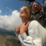 В облаках под куполом парашюта